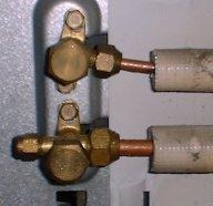 室外機接続部の水滴