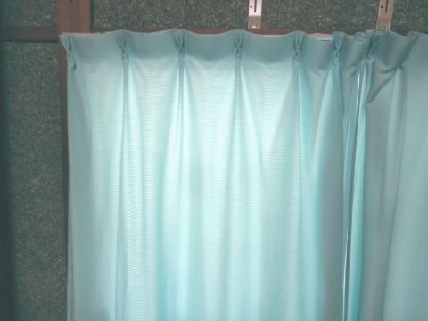 カーテンで断熱・遮熱